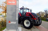 Valtra T214 Redline