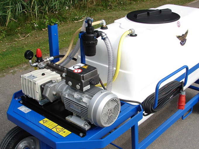 Spuitwagen 600T - Plunjer Pomp P63 42l/min~50bar - Reductor