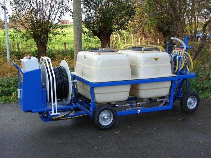Spuitwagen 2x400T - Plunjerpomp P63 42l/min~50bar - WCR