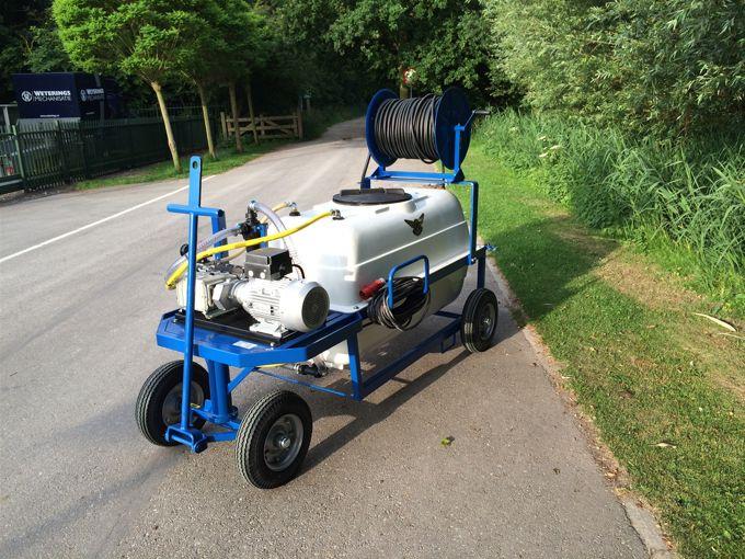 Spuitwagen 1000T - Plunjerpomp P63 42l/min~50bar - Handhaspel 450 vast