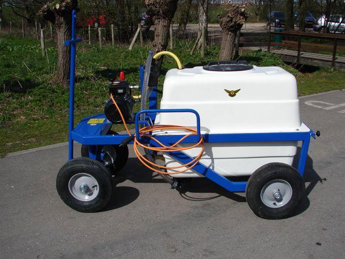 Spuitwagen 300T - Plunjerpomp PM33 19l/min~50bar