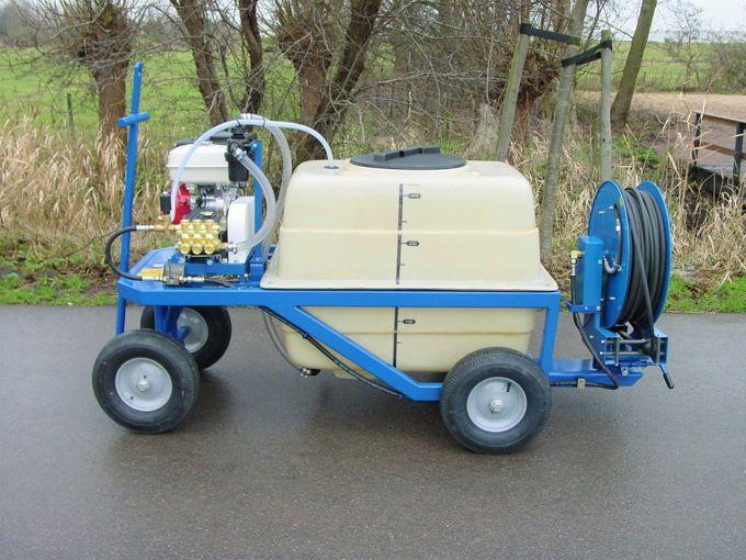 Spuitwagen 400T - Honda + WS102 21 l/min~100bar - Veerhaspel Draaibaar